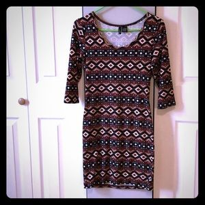 Casual 3/4 sleeved Fitted mini Dress